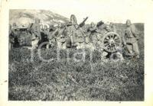 1940 ca WW2 Soldati 4° Reggimento Artiglieria Pesante Campale posano con cannone