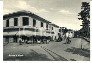 1960 ca MARINA DI RONCHI (MS) Un bar sul lungomare *Cartolina ANIMTA VESPA FG