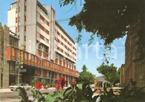 1970 ca MARINA DI MASSA (MS) Scorcio di Via DEMOCRAZIA *Cartolina VINTAGE FG NV