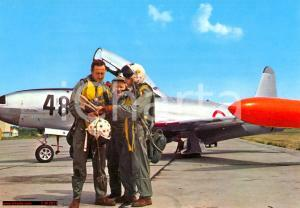 1970 ca AERONAUTICA Piloti aviogetto studiano piano di volo *Cartolina FG NV