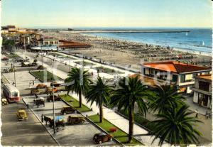 1953 VIAREGGIO (LU) Veduta lungomare e spiaggia *Cartolina VINTAGE FG VG