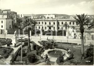 1960 CROTONE Veduta di piazza UMBERTO *Cartolina ANIMATA FG VG