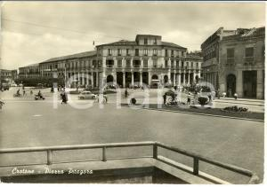 1960 CROTONE Veduta di Piazza PITAGORA *Cartolina ANIMATA FG VG