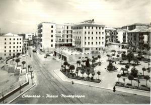 1960 ca CATANZARO Veduta aerea di piazza MONTEGRAPPA * Cartolina FG VG