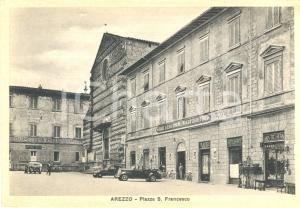 1940 ca AREZZO (AR) Piazza S. Francesco e ALBERGO D'INGHILTERRA *Cartolina FG NV
