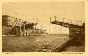 1926 TARANTO Veduta ponte girevole semi-aperto *Cartolina ANIMATA FP VG