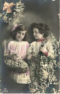 1913 PASQUA Bambini in posa con cesto di fiori *Cartolina augurale FP NV