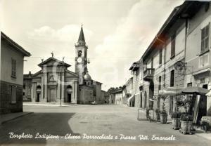 1962 BORGHETTO LODIGIANO (LO) Piazza VITTORIO EMANUELE con chiesa e Caffè JESI
