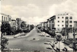 1954 LECCE Veduta di Viale GALLIPOLI con passanti *Cartolina postale FG VG