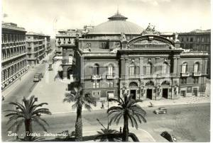 1956 BARI Teatro PETRUZZELLI Vista fronte Torpedone Automobili *Cartolina FG VG
