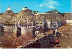 1960 ca ALBEROBELLO (BA)? TRULLI della Puglia *Cartolina ANIMATA FG VG