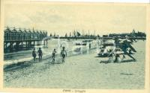 1931 FANO (PU) Veduta della spiaggia ANIMATA Cartolina FP NV