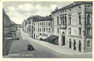 1940 ca PORDENONE Via MAZZINI Banca Cattolica Veneto *Cartolina FP DANNEGGIATA