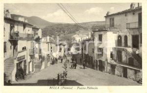 1954 BELLA (PZ) Veduta di piazza PLEBISCITO *Cartolina postale ANIMATA FP VG