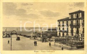 1930 ca PIZZO (VV) Passanti in Piazza UMBERTO I *Cartolina ANIMATA FP NV