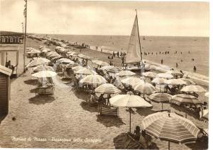 1951 MARINA DI MASSA (MS) Veduta della spiaggia ANIMATA