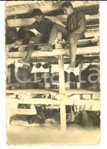 1919 WW1 ZONA DI GUERRA Soldati Comando 1° CORPO D'ARMATA leggono lettere *Foto