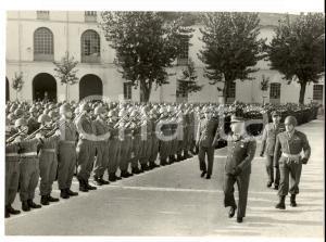 1961 BERGAMO Divisione LEGNANO - Generale Comandante passa in rivista le truppe