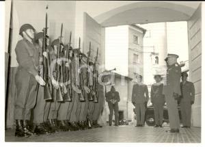1961 BERGAMO Divisione LEGNANO - Generale Comandante salutato dalle sentinelle