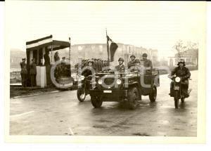 1961 BERGAMO Divisione LEGNANO Sfilata dei militari su mezzi meccanizzati