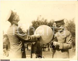 1918 AVIATION CHIEF MAKES BALLOON FLIGHT IN WASHINGTOWN