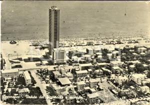 1955 ca CESENATICO (FC) Veduta grattacielo e spiaggia