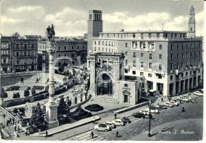 1966 LECCE Piazza SANT'ORONZO con veduta del Sedile *Cartolina FG VG