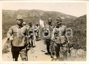 1938 CHANG-KU-FENG (CINA) Soldati nipponici su colline bombardate da russi *Foto