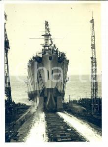 1932 SESTRI PONENTE (GE) La R.N. BOLZANO mentre scende in mare *Fotografia