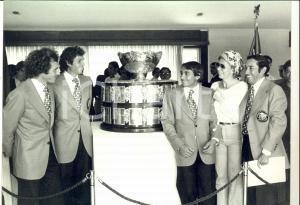 1980 ca TENNIS COPPA DAVIS L'attesa per la premiazione *Foto 31x24 cm