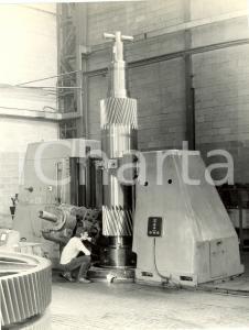 1965 ca MILANO Ing. V. FACHINI - Dentatrice universale ingranaggi SCHIESS *FOTO