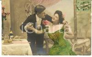 1900 ca DONNE E VINO Scena galante *Vintage postcard FP VG