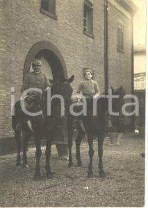 1915 ca WW1 Ufficiale di artiglieria posa a cavallo con il figlio *Foto 9x12 cm