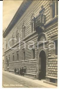 1920 ca BOLOGNA Palazzo BEVILACQUA *Cartolina ANIMATA con gruppo di giovani