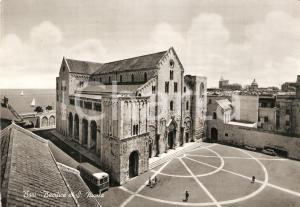 1963 BARI Torpedone in piazza Basilicia SAN NICOLA *Cartolina ANIMATA FG NV