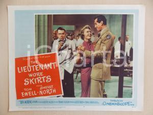 1956 LIEUTENANT WORE SKIRTS Sheree NORTH balla con Rick JASON *Manifestino
