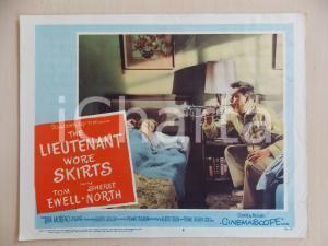 1956 LIEUTENANT WORE SKIRTS Tom EWELL suona tromba LOBBY CARD *Manifestino