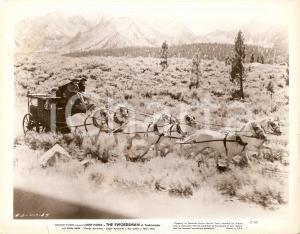 1948 THE SWORDSMAN Carrozza in corsa nei boschi della SCOZIA *Foto di scena