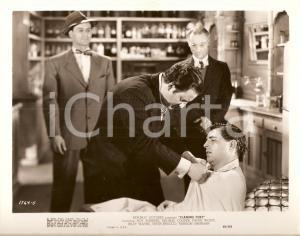 1949 FLAMING FURY Pestaggio di un testimone Regia di George BLAIR *Foto di scena