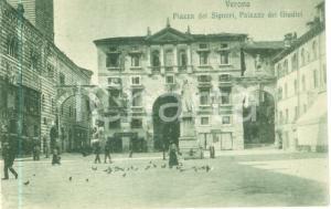 1930 ca VERONA Piazza dei Signori Palazzo dei Giudici *Cartolina FP NV