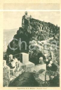 1940 ca REPUBBLICA DI SAN MARINO Turisti alla Seconda Torre *Cartolina FG NV