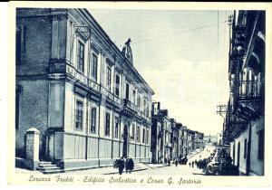1951 LERCARA FRIDDI (PA) Edificio scolastico e corso SARTORIO *Cartolina FG VG