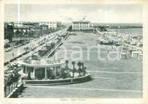 1957 PESARO La spiaggia lungo Viale TRIESTE *Cartolina FG VG