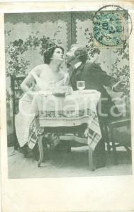 1907 PARIS Due innamorati si baciano al bar nel séparé Cartolina FG VG