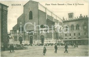 1937 BOLOGNA passanti in Piazza Vittorio Emanuele *Cartolina postale FP VG
