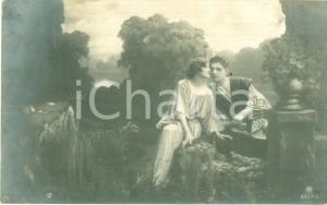 1922 INNAMORATI Giovane coppia in scenario bucolico Cartolina FP NV
