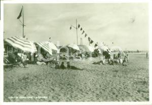1941 CAMAIORE (LU) Bagnanti in spiaggia al Lido *Cartolina FG VG