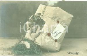 1907 BUON NATALE Bambino esce da un pacco regalo Cartolina FP VG