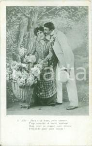 1930 ca INNAMORATI Coppia di amanti con gerla di fiori *Cartolina FP NV