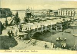 1952 SIRACUSA Navi all'ancora al Ponte in Corso UMBERTO *Cartolina FG VG